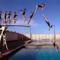 como saltar a una piscina